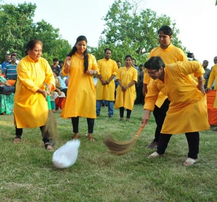 """Nukkad Natak"" on ""Swachhata Hi Sewa"" campaign will be performed by artistes from this Department at 4.30 pm on the 26th September, 2017 near Boat Club Bus Stand, Krishi Bhawan, New Delhi in the presence of Shri Ram Vilas Paswan, Hon'ble Minister, CAF&PD"