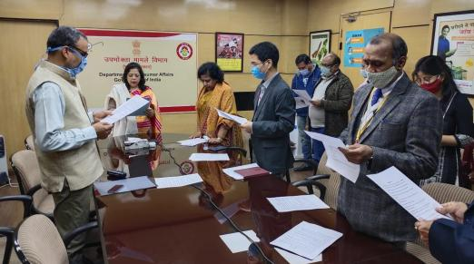 Swachhta Pledge being administered by Secretary, Department of Consumer Affairs with all senior officers on 16.02.2021
